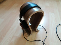 Grado Labs Reference Series RS2 Headphones with stand and 3.5mm adaptor