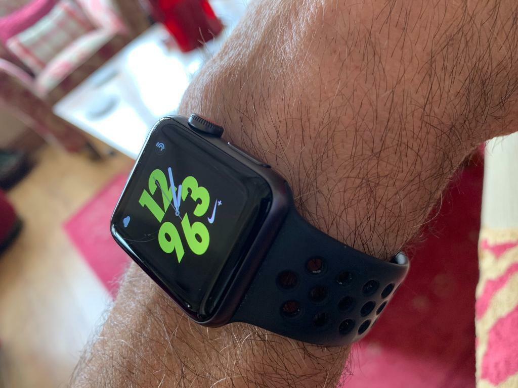 códigos de cupón muchos estilos Cantidad limitada Apple Watch Nike s3 38 mm space grey gps cellular   in Woodford ...