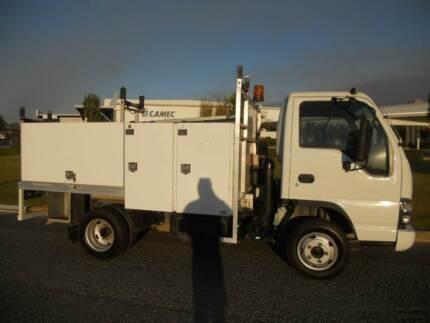 Isuzu Mobile workshop , Tool truck , Toolbox truck car licence,