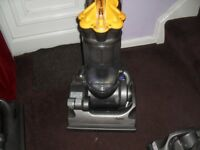 dyson DC33 fully tooled with warranty