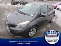 2014 Toyota Yaris LE! Back-Up Cam! Heated Seats!