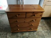 Sold chest of drawers