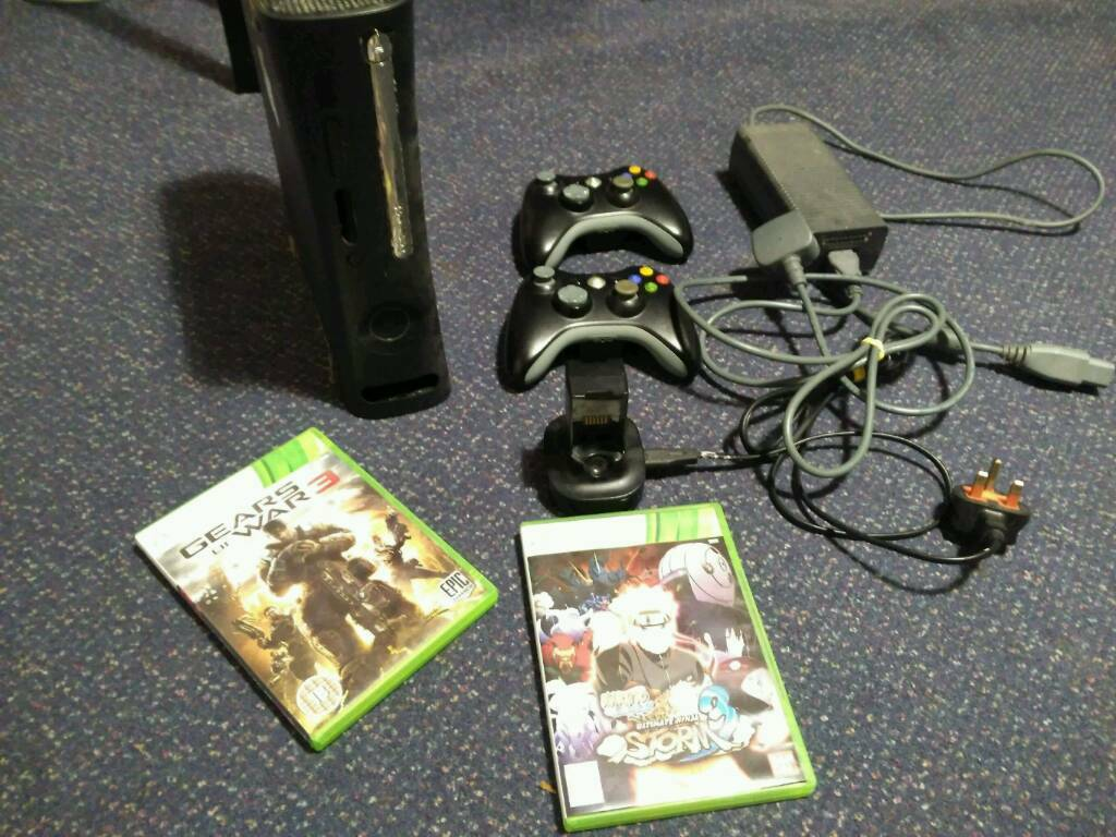 Xbox 500gb with 2 controllers and games. All working.