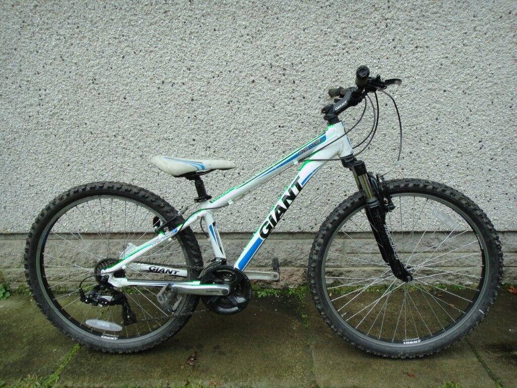 Santa Cruz 8 Downhill MTB Mountain Bike.. Not specialized