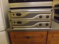 PA EQUIPMENT PEAVEY AMPS, PULSE AUDIO MEDIA PLAYER, AND CITRONNIC CASE
