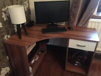 Corner oak computer unit, hardly used, excellant condition, local pick up only, fully assembled