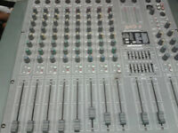 POWERED MIXER 8Channel With built In FX
