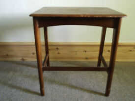 Occassional table (small)