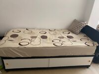 Single bed- very good condition