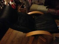 A GREAT LOOKING PAIR OF VINTAGE/ANTIQUE BLACK LEATHER LOUNGE/EASY CHAIRS IN GREAT USED CONDITION