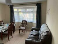 4 Bed Room Detached Bungalow is available to rent in Reading RG30
