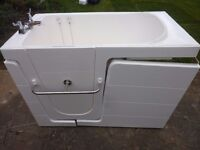 WALK IN BATH BY ABSOLUTE MOBILITY, COST £1401 USED ONLY TWICE !, QUALITY DESIGN. READY TO PLUMB IN.