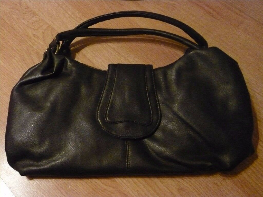 CHOCOLATE BROWN - FAUX LEATHER HANDBAG - LOTS OF POCKETS - UNUSED