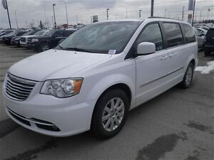 2015 Chrysler Town & Country Touring Stow N GO