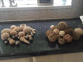 Two bundles decorative wooden balls