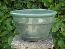 Stylish Green Glazed Ceramic Garden Planter Classic Plant Pot Shape 17cm Tall