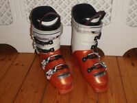 ROSSIGNOL WOMENS SKI BOOTS, WORLD CUP S190, SIZE 4.5-5
