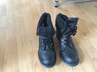 Black leather boots size 6 with fleece lining