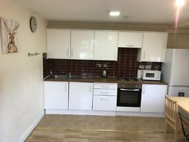 3 BEDROOM LUXURY FLAT TO RENT IN KINGS CROSS/CAMDEN TOWN