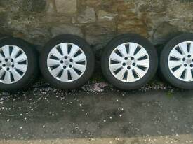 Vectra alloys/tyres