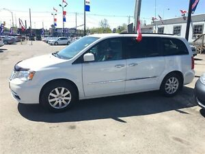2011 Chrysler Town & Country Touring * LEATHER * CAM * HTD PWR S London Ontario image 6