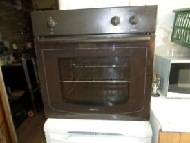 BROWN PROLINE BUILT IN OVEN IN GOOD CONDITION