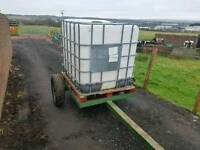 Towable 1000 litre water bowser tank on trailer for livestock