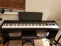 Yamaha P115 keyboard + speakers