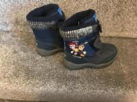 Boys paw patrol winter boots size 9