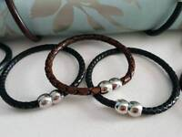Leather bangle/bracelet with magnetic clasp
