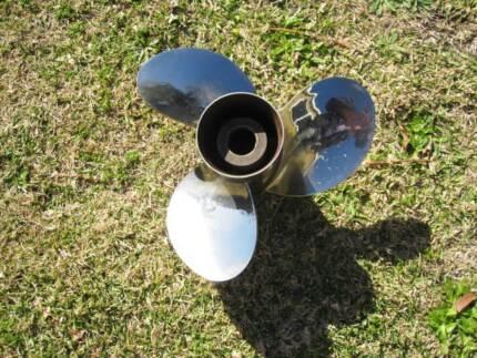 propeller - like new - SS - Mercury Vengance 12 pitch - perfect