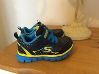 Infant baby boys sketchers trainers size 4