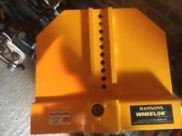 Wheel lock clamp