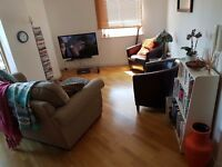 large double ensuite room near clarence docks for month of september