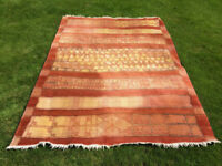 Beautiful Rug in Perfect Condition, 235cm x 166cm