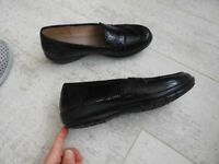 "Hotter ""Jazz"" black patent leather shoes. Size 5 standard fit"