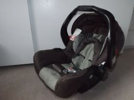 GRACO baby car seat - in excellent condition