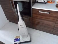UPRIGHT PANASONIC 1900 HOOVER CLEANER IN EXCELLENT CLEAN WORKING CONDITION