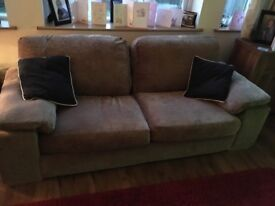 Good condition sofa 3 seater 2 seater