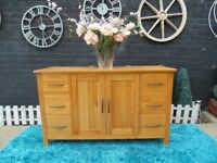 SOLID OAK LARGE SIDEBOARD LOADS OF STORAGE AND DOVETAIL DRAWERS EXTREMELY SOLID UNIT