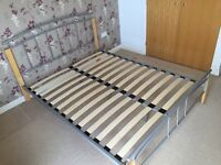 KING SIZE METAL & WOOD BED FRAME