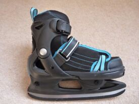 Ice Skates size EU 33 to 36 (UK size 1 to 3) new, never used!
