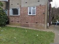 RECENTLY RENOVATED 2 Bedrooms First floor fat with Garden in Clayhall.