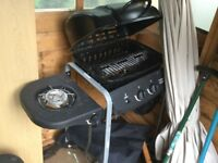 Gas barbecue & large gas bottle
