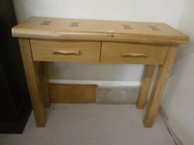 *** New*** ex-display g-plan modern solid oak console / hall table