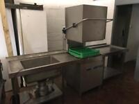 Industrial dishwasher, sink with macerator and drainer