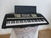 Yamaha Electronic Organ Portatone PSR 640/740. fully portable with carry case