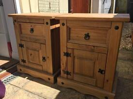 2x Mexican pine bedside tables