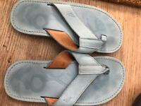 Ladies Size 5 Flip Flops
