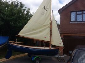 Sailing boat 12ft 6 inches gunter rig complete with trailer and launch trolley